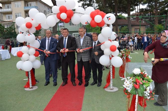 Atatürk Ortaokulunda tübitak 4006 bilim Fuarı düzenlendi