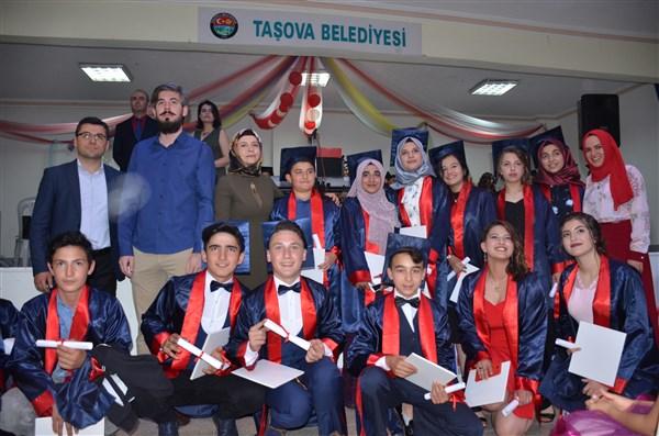 Atatürk ortaokulu mezuniyet töreni
