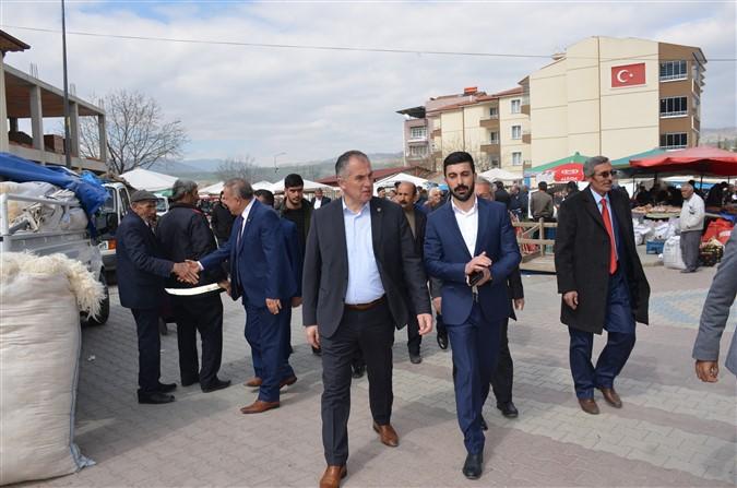 Özgür Özdemir Taşova Pazarı Gezisi