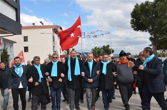 Ak Parti İlçe Başkanlığı Yürüyüş Gerçekleştirdi