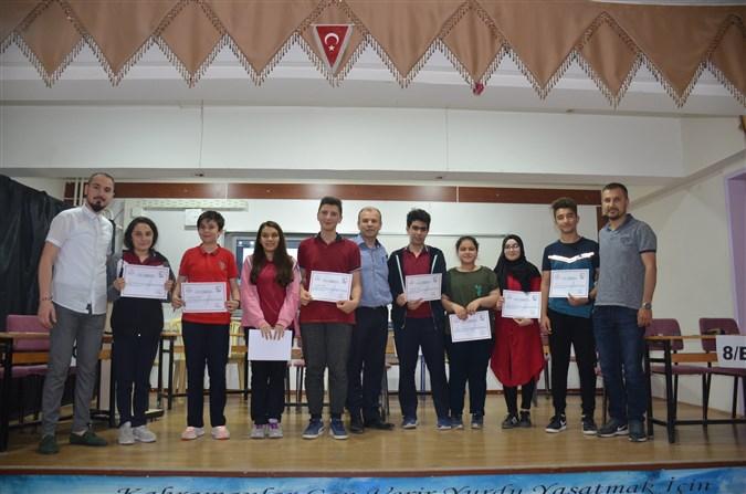 Atatürk Ortaokulunda Sınıflar arası bilgi yarışması düzenledi