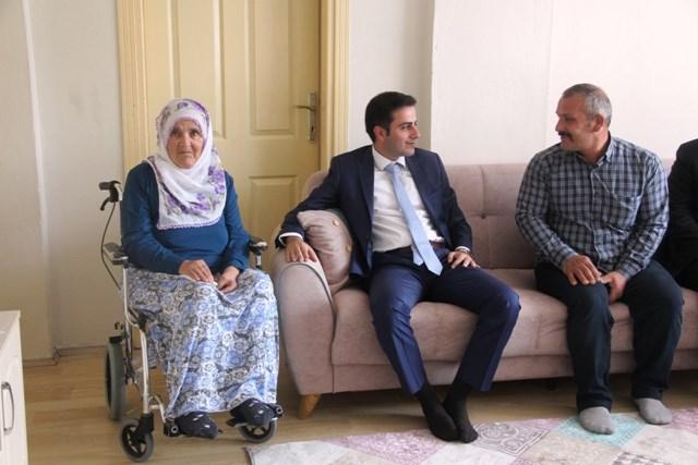 Kaymakam Altuntaş'tan Şehit Ailelerine Ziyaret