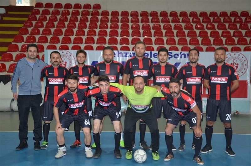 Taşova Öğretmenler FUTSAL Takımı İlk Maçından Galip Ayrıldı