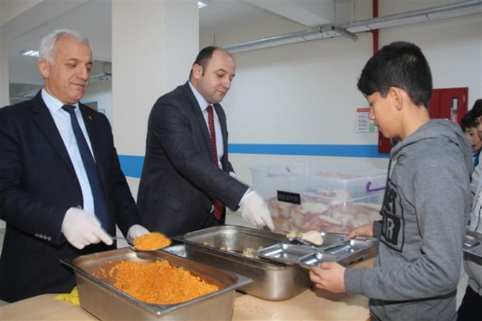 Taşova Milli Eğitim Müdürü Tümer'den Yemekhane Denetimi