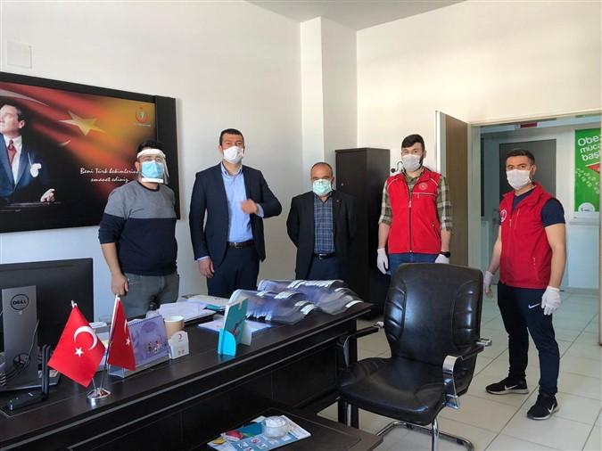 Taşova Gençlik Merkezi Tarafından Üretilen Siperlikler Dağıtılmaya Başlandı