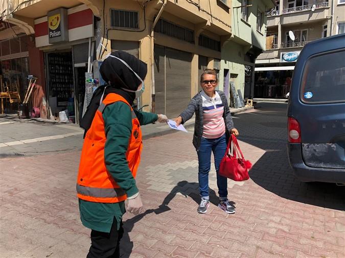 Taşova Gençlik Ekibi Maske Dağıtım Faaliyetlerine Devam Ediyor