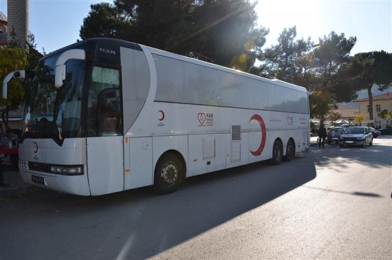 Kızılay Kan Toplama Aracı Taşova'da