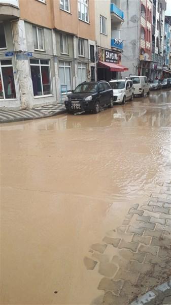 Taşova'da Yoğun Yağmur Yağışı ve Sel