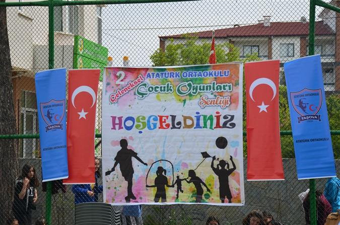 2. Geleneksel Atatürk Ortaokulu Çocuk Oyunları Şenliği Yapıldı