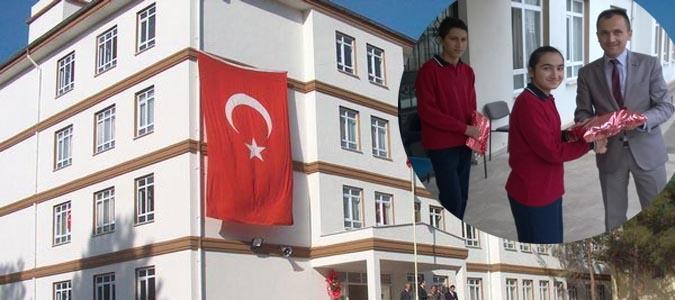 2014-2015 Eğitim Öğretim Yılında Atatürk Ortaokulu Zirve yaptı