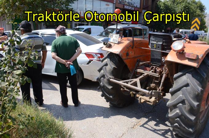 Son dakika:Atatürk Bulvarında Traktörle Otomobil çarpıştı