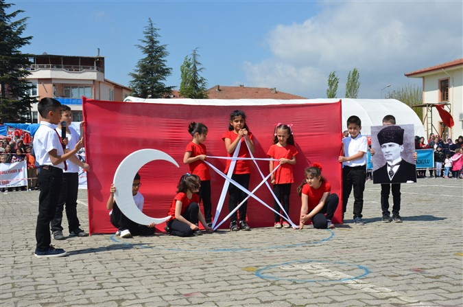 23 Nisan Ulusal Egemenlik ve Çocuk Bayramı İlçemizde Coşku ile Kutlandı.