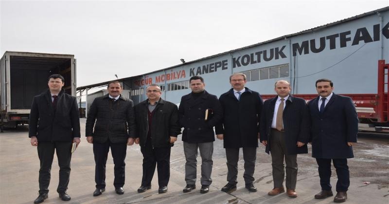 Amasya KÜSİ Heyeti, Özgür Mobilya Üretim Fabrikasını Ziyaret Etti