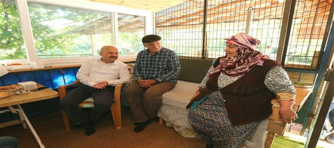 Amasya Valisi Varol'dan Yaylasaray'lı Şehit Ailesine Ziyaret