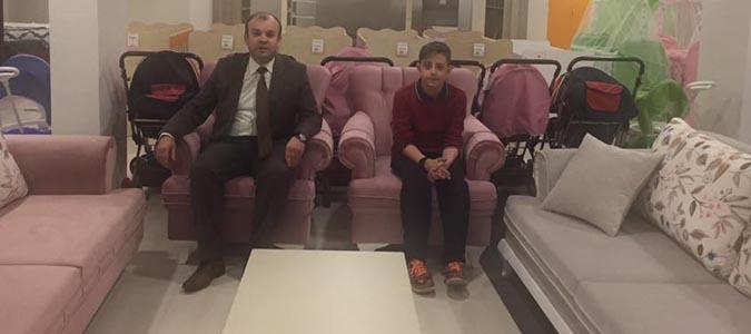 Atatürk Orta Okulu Eşya Piyangosu çekilişinde hediye kazanan talihliler hediyelerine kavuştu.