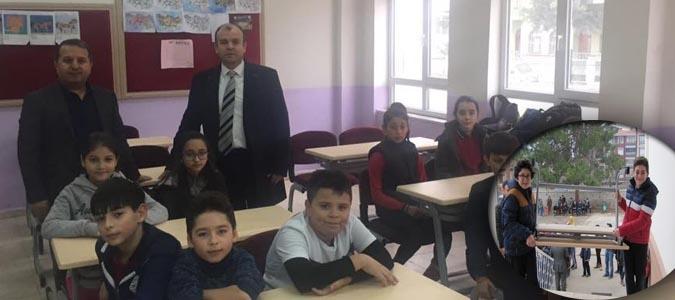 Atatürk Orta Okulunda Öğrenciler Yeni Sıralarına Kavuştu