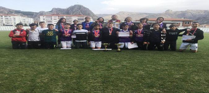 Atatürk Ortaokulu Atletizm'de Bu Yılda İl Birincisi