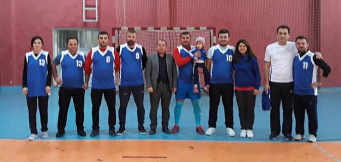 Atatürk Ortaokulu Öğretmenleri İLÇE ŞAMPİYONU