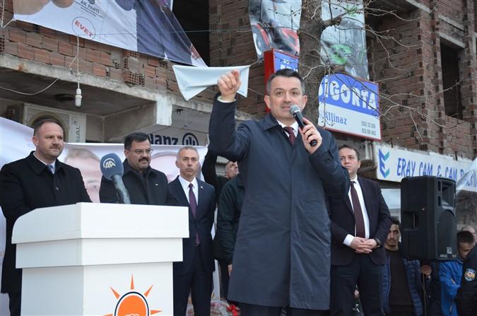 Bakan Pakdemirli Taşova'da Miting Gerçekleştirdi