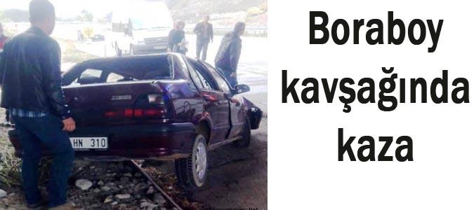 Boraboy yol kavşağında kaza