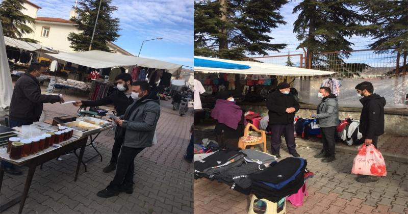 CHP Gençlik Kolları Taşova'da Maske Dağıttı