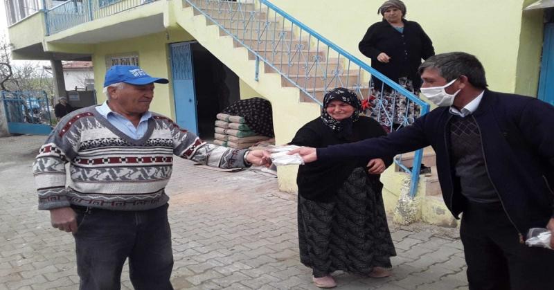 Dereli Köyünde 1000 Adet Maske Dağıtıldı