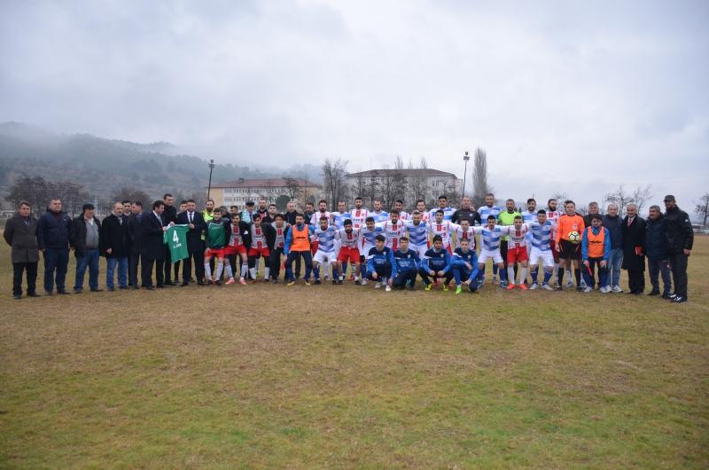 Dostluk Maçında Kazanan Yeni Taşova Spor