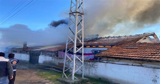 Gemibükü Köyünde Ev Yangını
