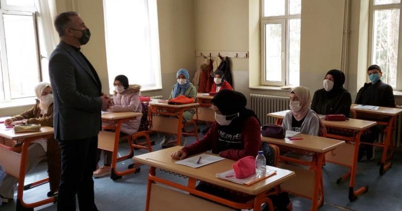 İl Müdürü Coşkun, Taşova Atatürk Ortaokulunda İncelemelerde Bulundu