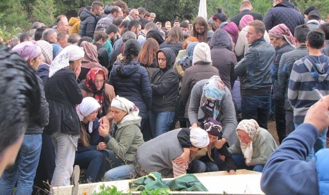 İSTANBUL'da FECİ KAZA DA HAYATINI KAYBEDEN 4 KİŞİ DEFNEDİLDİ