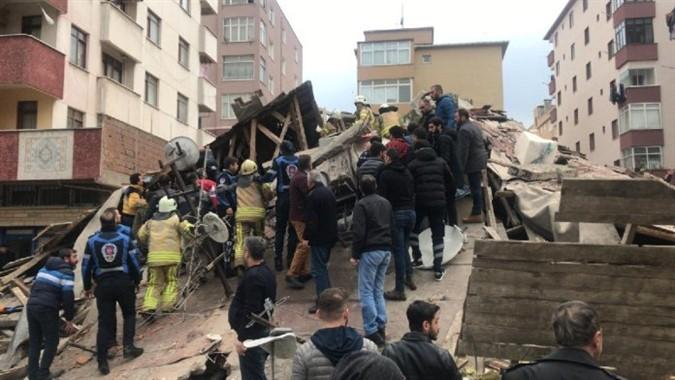 Kartal'da Çöken Binada Umutlu Bekleyiş