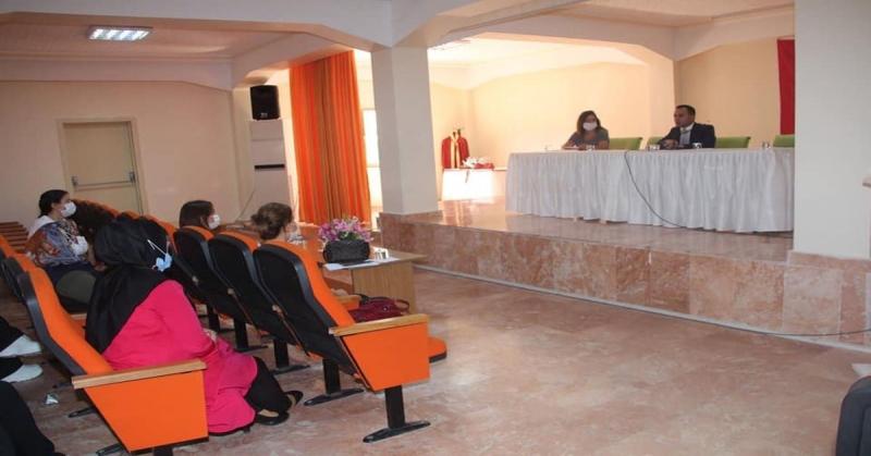 Kaymakam Çelik, Taşova Hünerli Eller Kadın Kooperatifinin Toplantısına Katıldı