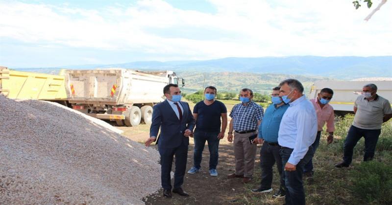 Kaymakam Çelik Türkmentamı Köyün'deki Asfalt Çalışmalarını İnceledi