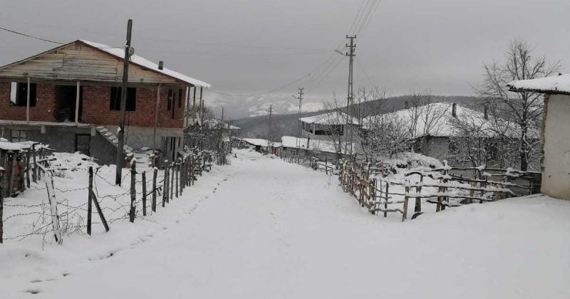 Kuzey Köylerde Kar Yağışı Sürüyor