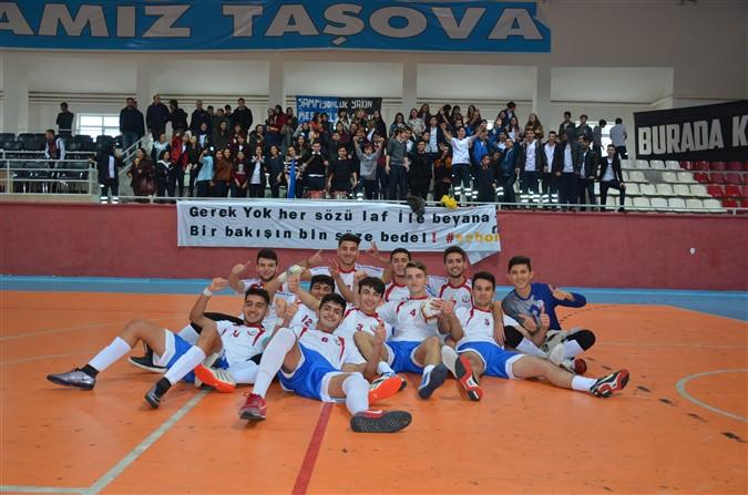 Liseler Arası Futsal Müsabakalarında Birinci Belli Oldu