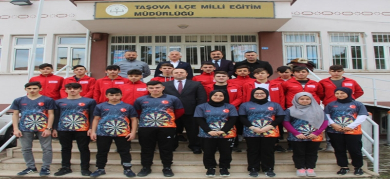 Milli Eğitim Müdürü Tümer İl Şampiyonu Sporcuları Kabul Etti