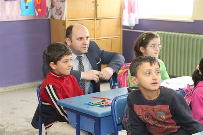 Milli Eğitim Müdürü Tümer'den Okul Ziyareti