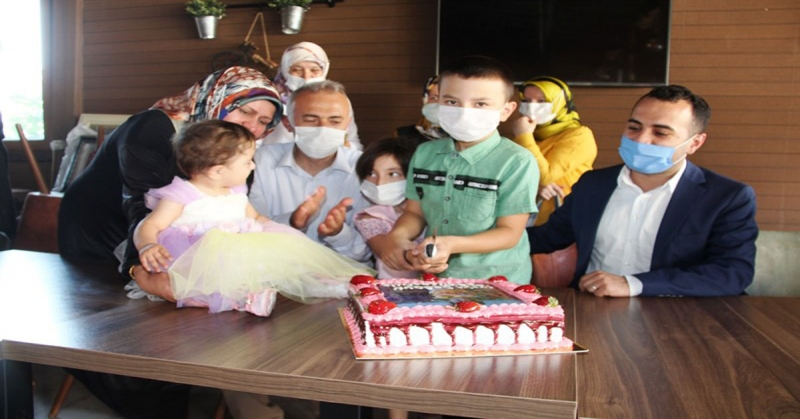 Minik Öykü'ye Doğum Günü Sürprizi