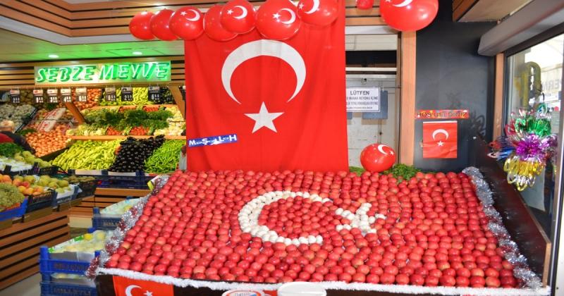 Özgür Süpermarketten 29 Ekim Cumhuriyet Bayramına Özel Stand