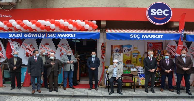 Seç Market Düzenlenen Törenle Açıldı