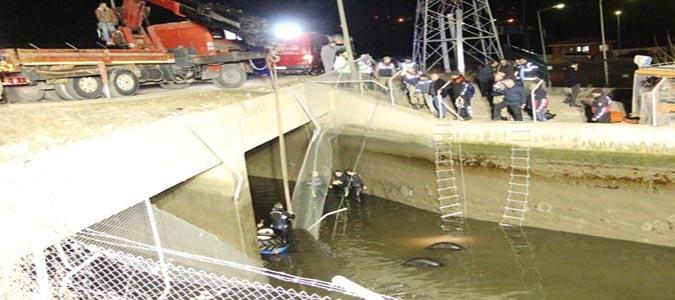 Su Kanalına Traktörle Uçtu Hayatını Kaybetti