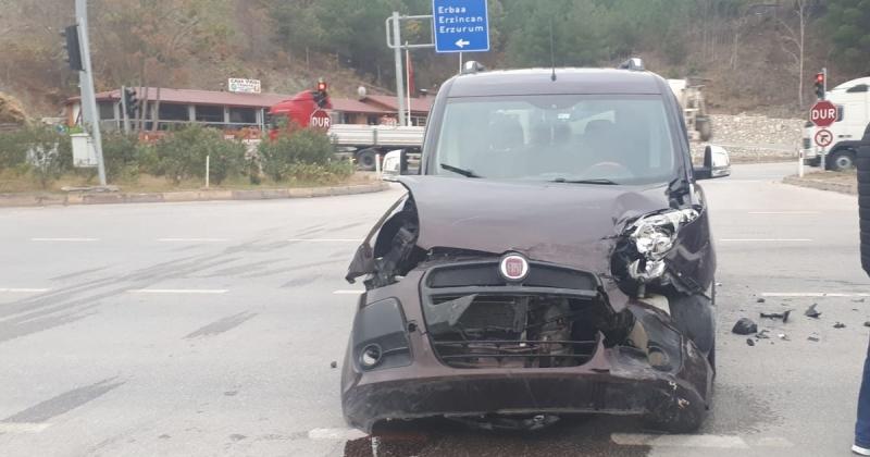 Taşova Girişinde Trafik Kazası