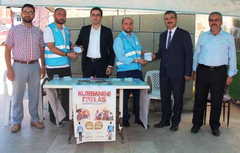 Taşova Kaymakamı Altuntaş'tan Kurban Bağışı