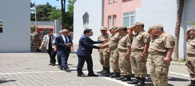 Taşova Kaymakamlığı ve Belediyesin de bayramlaşma töreni düzenlendi.