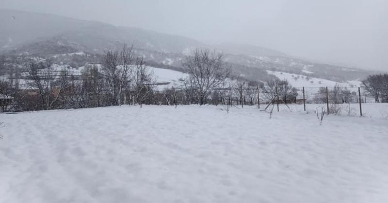 Taşova Merkeze Yağmur, Yükseklere Kar Yağdı