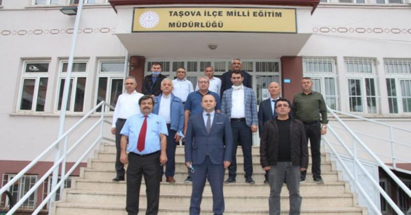 Taşova Milli Eğitim Şube Müdürü Arslan Emekliye Ayrıldı
