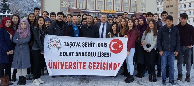 Taşova Şehit İdris Bolat Anadolu Lisesi Öğrencileri Üniversite Tanıtım Gezisi Düzenledi