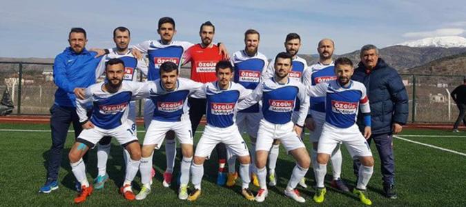 Taşova Spor üç haftada üçte üç yaptı