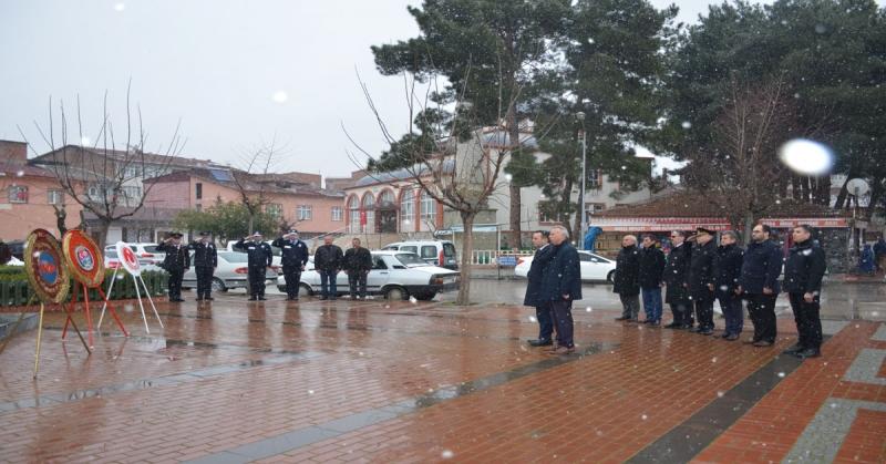 Taşova'da 18 Mart Çanakkale Zaferi ve Şehitleri Anma Günü Kapsamında Çelenk Sunma Töreni Gerçekleştirildi