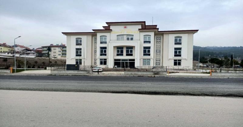 Taşova'da 63 Yıllık Adliye Yeni Yerine Taşındı